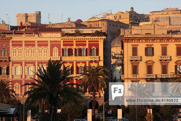 Altstadt + Via Roma in Cagliari Sardinien Italien Europa