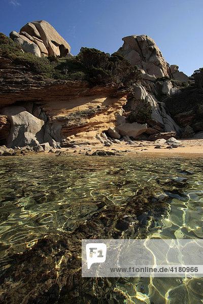 Traumstrand und bizarre Felsen am Capo Testa  Sardinien  Italien  Europa