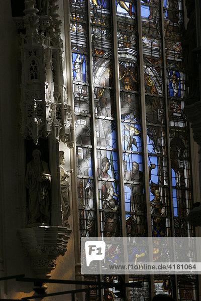 Kirchenfenster der Kathedrale von Brüssel Belgien Europa