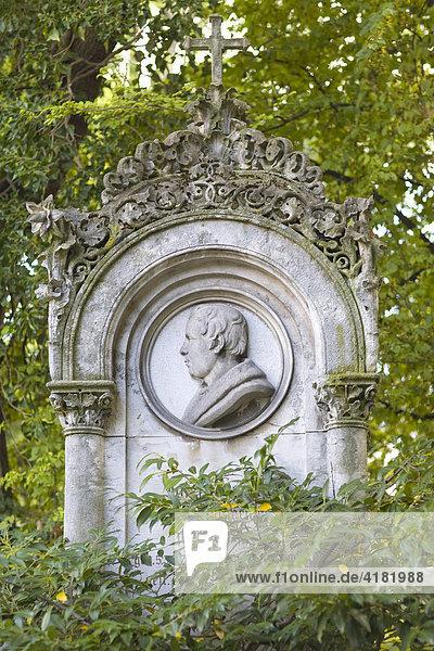 Grab von Josef Höchl, 1777-1838, Stadtbaumeister, Alter Südfriedhof in München, Bayern, Deutschland