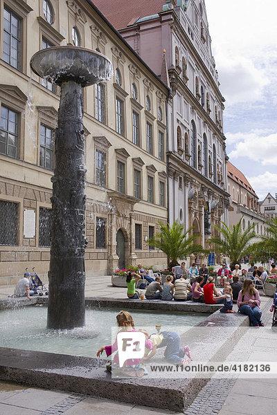 Fußgängerzone in München  Bayern  Deutschland