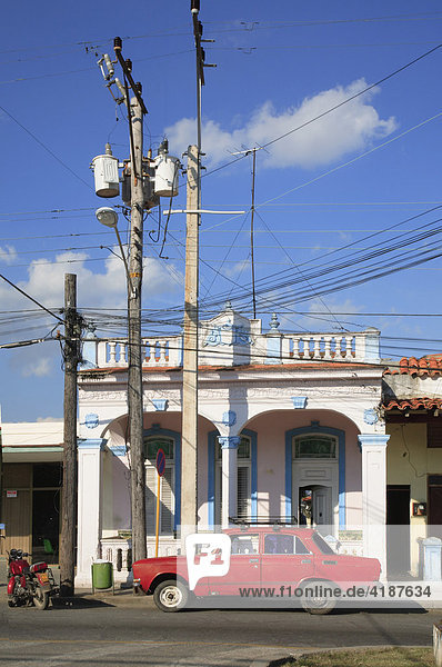 Kolonialfassaden in der Calle Marti  Stadt Pinar del Rio im Südwesten Kubas  Kuba  Karibik