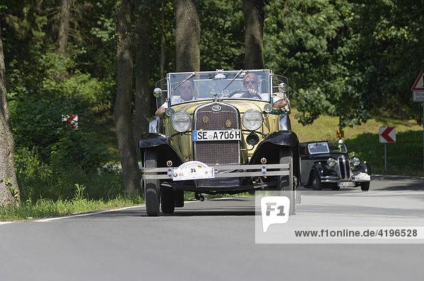 Ford Oldtimer bei Oldtimer Rallye 2000 km durch Deutschland