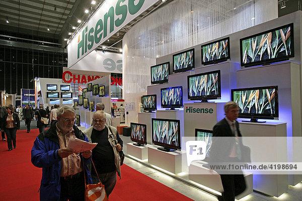 Flachbildschirme auf der Internationalen Funkausstellung in Berlin (IFA)  Deutschland