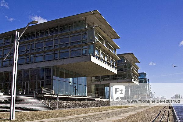 Moderne Bürogebäude an der Elbe in Hamburg Neumühlen  Övelgönne  Hafen  Hamburg  Deutschland