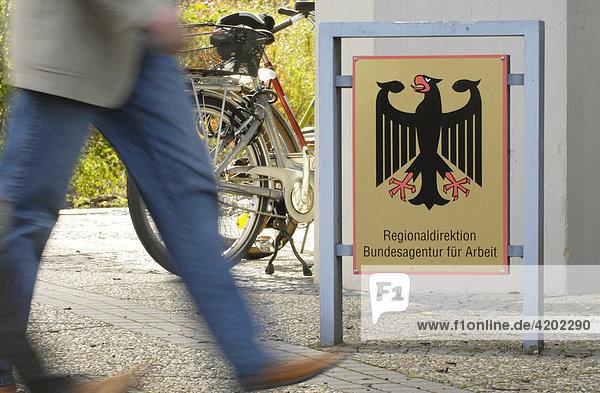 Schild: Regionaldirektion Bundesagentur fuer Arbeit - Nürnberg  Bayern  Deutschland Schild: Regionaldirektion Bundesagentur fuer Arbeit - Nürnberg, Bayern, Deutschland