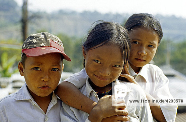 Children  Annapurna region  Himalayas  Nepal  Asia