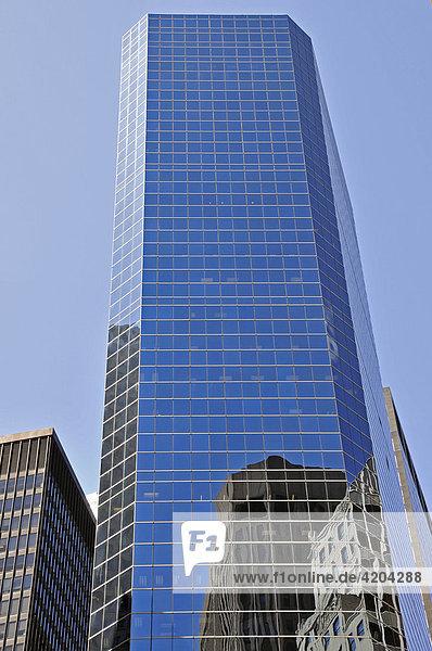 Spiegelfassade des Broad Financial Center  Financial District  Manhattan  New York City  USA