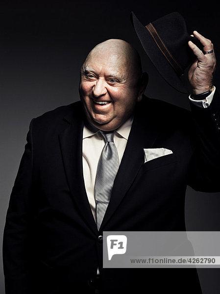 Studio-Porträt des Gangster-Hütchens