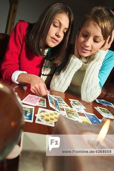 benutzen Frau Karte 2 jung Tarotkarte