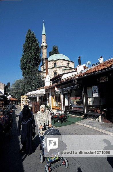 AGEFOTOSTOCK,Architektur,Baby,Bosnien,Burka