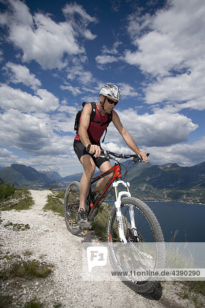 Mountainbiking,  Gardasee,  Italien,  Berg,  Trentino,  Radfahren,  Velo,  Velofahren,  Mann,  Tour,  Sport,  Geschicklichkeit,  Balance,  Al
