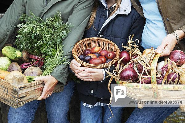 Familie mit Gemüse