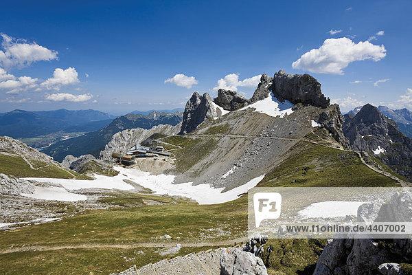 Deutschland  Bayern  Blick auf die Karwendelspitze im Karwendelgebirge