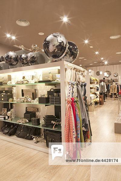 Geschenk Madrid Hauptstadt Frau Laden Kleidung Centro