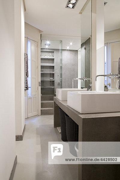 Waschbecken moderne Wohnung.