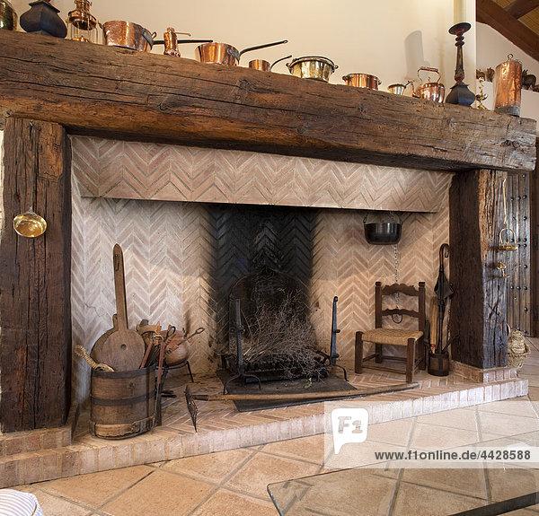 sitzend Zimmer Gemütlichkeit Ländliches Motiv ländliche Motive Schornstein Ansicht