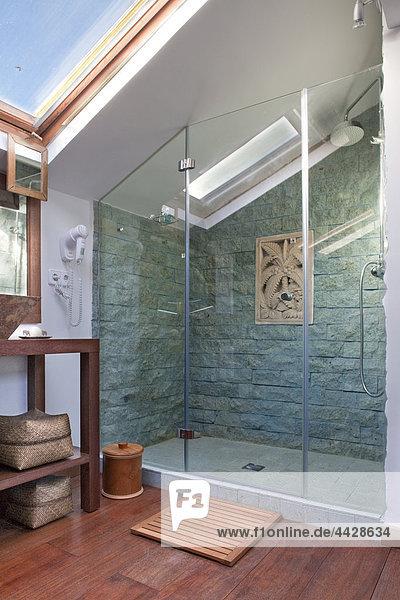 Waschbecken Becken Stein Glas Wand Individualität blau Zimmer türkis Asphalt zerteilt