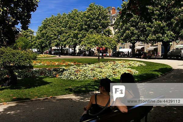 Central garden of Place Gambetta at Bordeaux  Gironde  Aquitaine  France