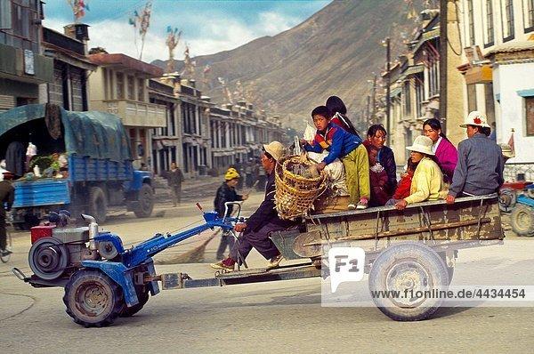 Transport öffentlicher Ort China Tibet