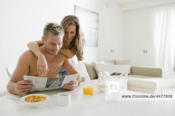 Papier  jung  Frühstück  lesen