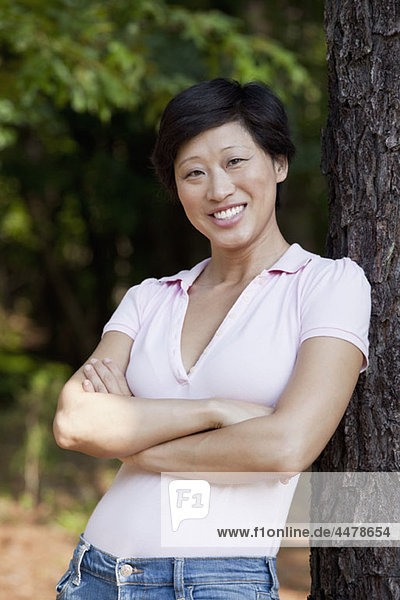 A casual dressed woman smiling  portrait