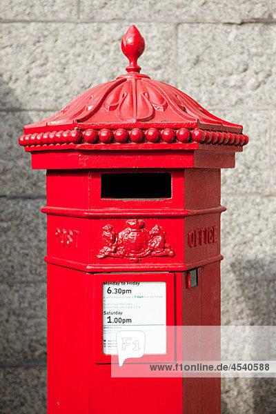 Roter Briefkasten  London