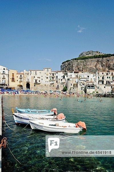 italy  Cefalù  marina