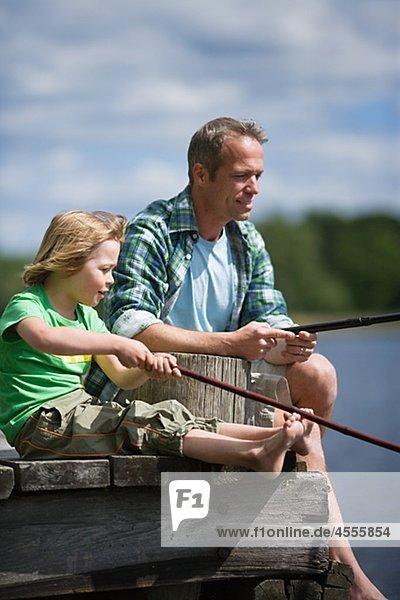 Menschlicher Vater Sohn angeln