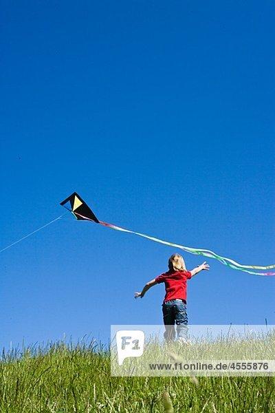 Boy nach dem kite
