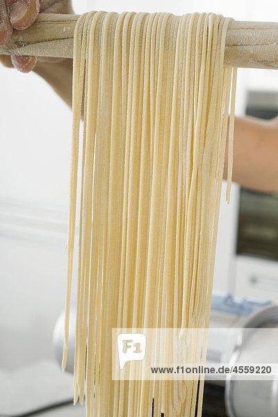 Frische hausgemachte spaghettini