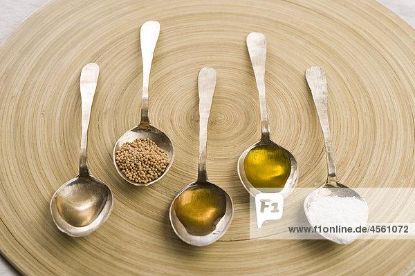 Hausgemachte Senf  Mit Englischsprachigem Rezept Und Teil Eines Pakete