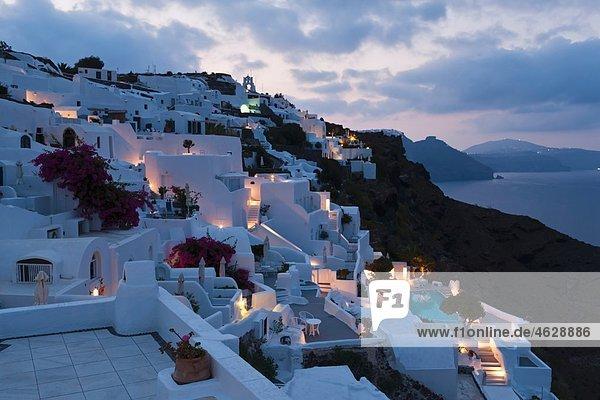 Europa  Griechenland  Thira  Kykladen  Santorini  Blick auf oia am Morgen