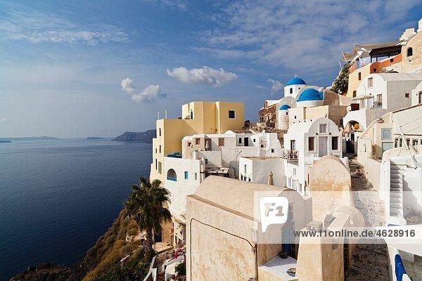 Europa  Griechenland  Ägäis  Kykladen  Thira  Santorini  Oia  Blick auf Caldera