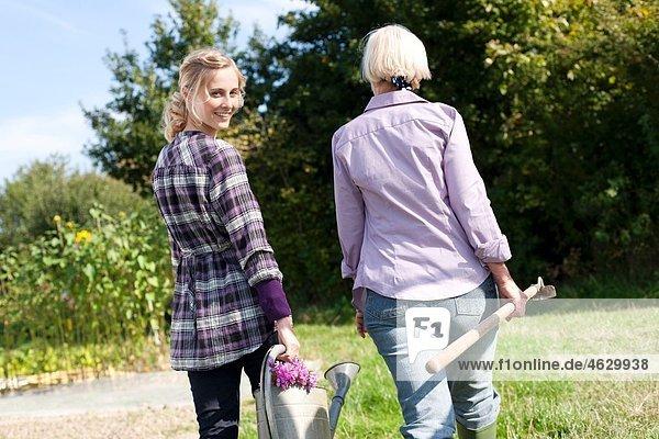 Frauen auf dem Bauernhof