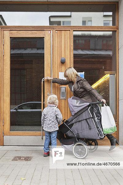 Mutter in der Tür