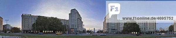 Stalinbauten  sozialistische Wohnhäuser  am Strausbergerplatz  Blickrichtung Westen zum Alexanderplatz mit dem Fernsehturm  Berlin  Deutschland  Europa