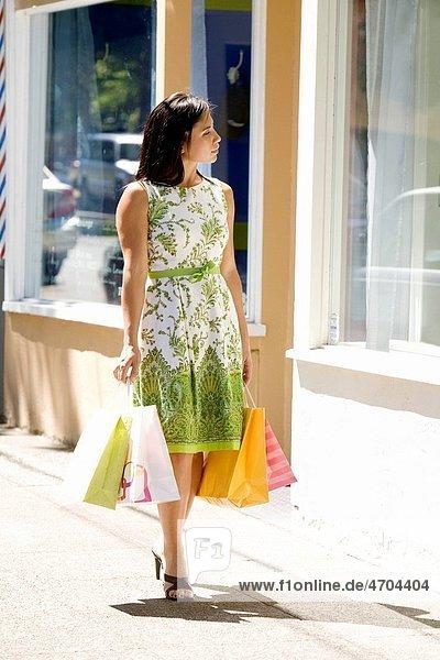 Woman window_shopping