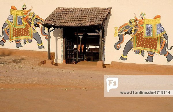 Rajasthani wall painting at Shilpgram   Udaipur   Rajasthan   India Rajasthani wall painting at Shilpgram , Udaipur , Rajasthan , India