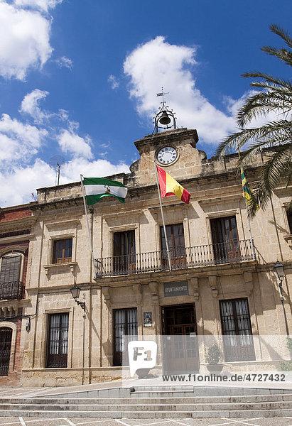 Das Rathaus in der kleinen Stadt Bornos  Andalusien  Spanien  Europa