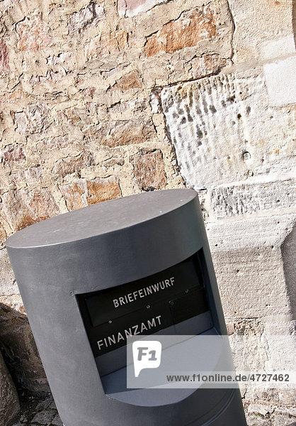 Briefkasten an einem Finanzamt  Melsungen  Hessen  Deutschland  Europa