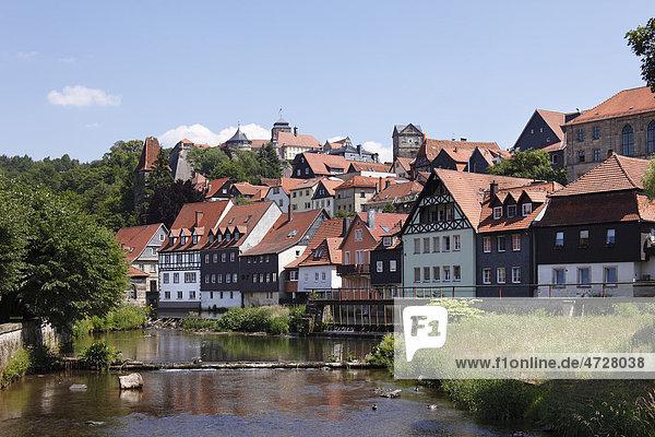 Festung Rosenburg und Altstadt Kronach mit Fluss Haßlach  Oberfranken  Franken  Bayern  Deutschland  Europa