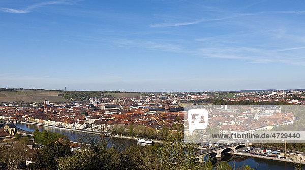 Blick von der Festung Marienberg auf Würzburg  Franken  Bayern  Deutschland  Europa