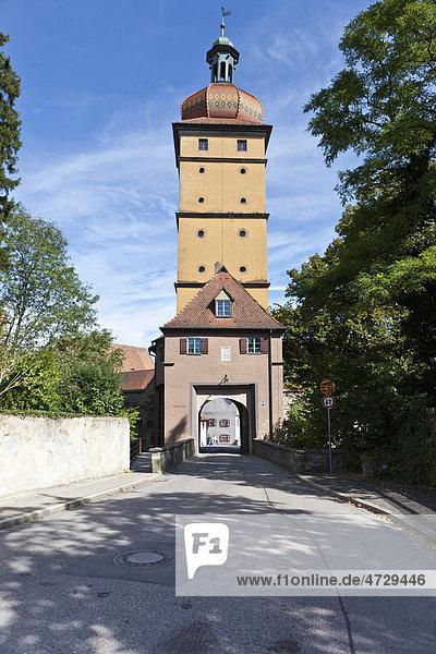 Das Segringer Tor  Dinkelsbühl  Landkreis Ansbach  Mittelfranken  Bayern  Deutschland  Europa