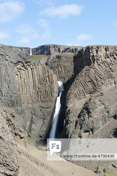 Basalt  Basaltsäulen  Wasserfall Litlanesfoss  bei Egilssta_ir  Egilsstadir  Island  Skandinavien  Nordeuropa  Europa
