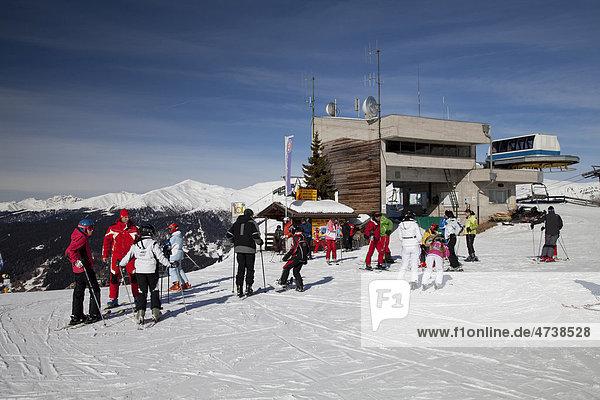 Station der Bergbahn  Skischule  Sammelplatz 2060m  Helm  Naturpark Sextener Dolomiten  Vierschach  Sextental  Südtirol  Italien  Europa
