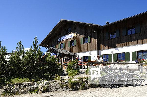 Herzogstandhaus  Herzogstand  Landkreis Bad Tölz-Wolfratshausen  Oberbayern  Bayern  Deutschland  Europa