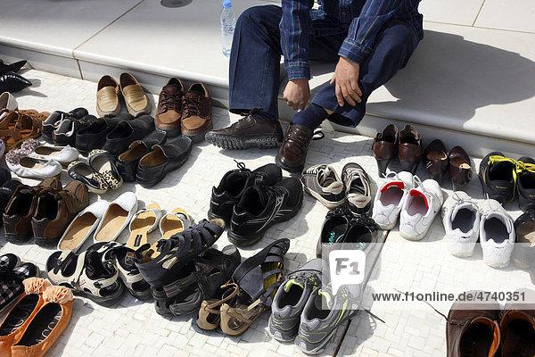Schuhe Vor Der Schaich-Zayid-Moschee, Abu Dhabi