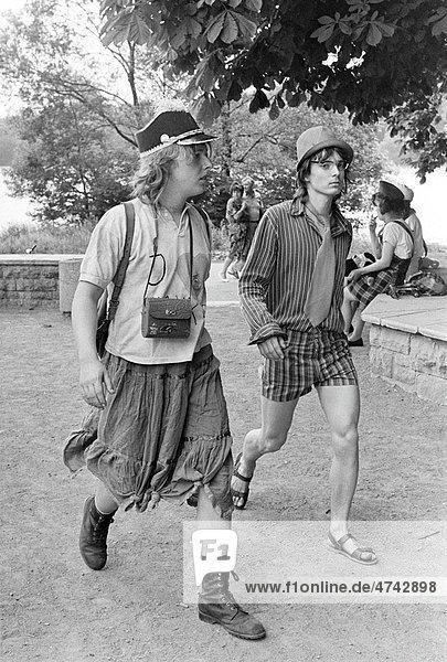 Kostümierte Schüler  Feiern zum Schulabschluss  Leipzig  DDR  ca. 1983
