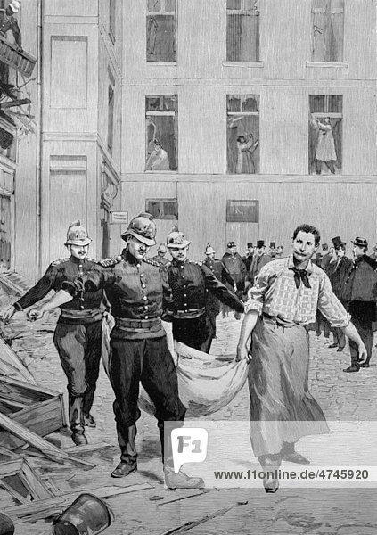 Die Dynamitexplosion in Paris  Frankreich  Abtransport der Opfer  historisches Bild  ca. 1893